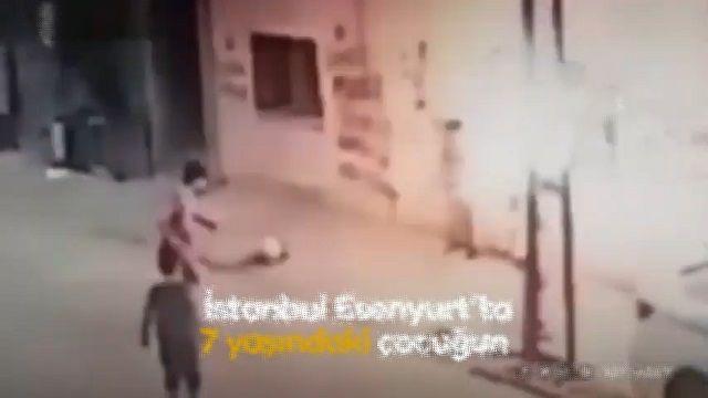 [動画0:21] 7歳の少年、垂れ下がった送電線を触ってみる